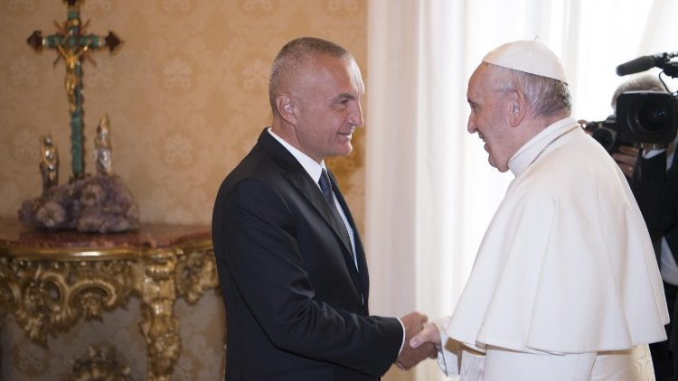pope-francis-receives-president-of-the-republ-1537179724616.jpg