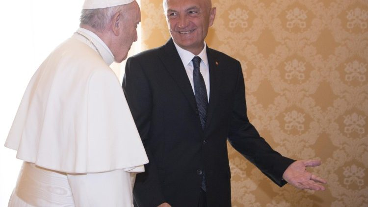 pope-francis-receives-president-of-the-republ-1537180025606.jpg