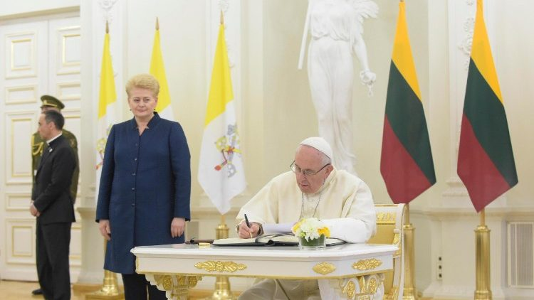 pope-francis-in-lithuania-1537611715744.jpg