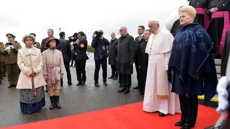 pope-francis-in-lithuania-1537612046131.jpg