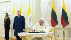 pope-francis-in-lithuania-1537612916927.jpg