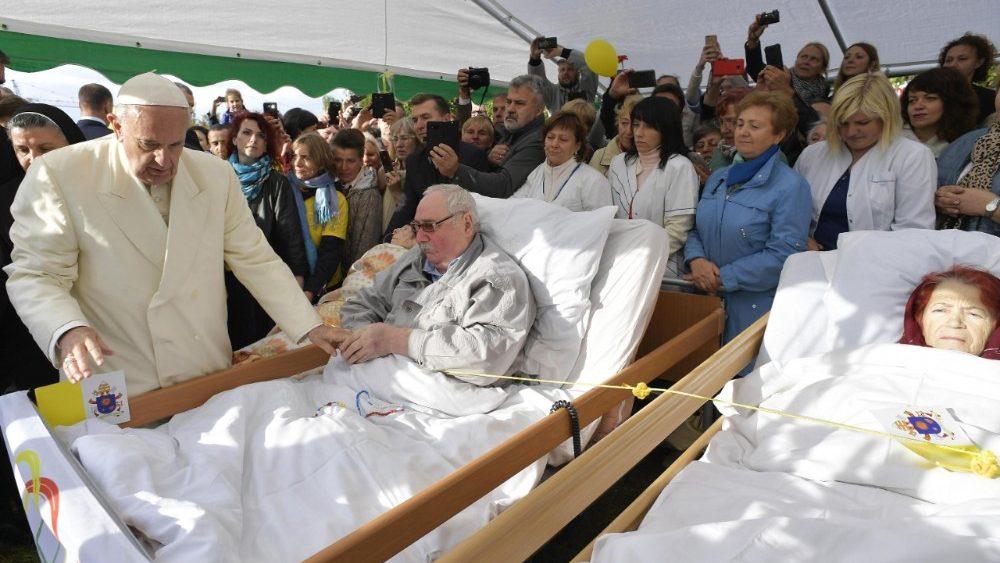 El Papa, con los enfermos