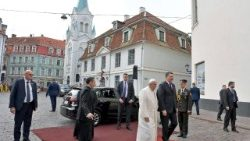 pope-francis-in-latvia-1537788424368.jpg
