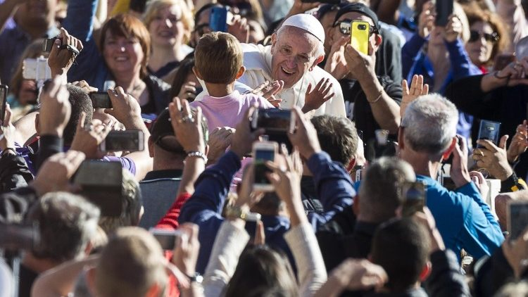 pope-francis-general-audience-1537951620212.jpg