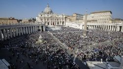 Pope Francis celebrates Canonization Mass in St. Peter's Square