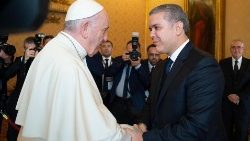 pope-francis-meets-colombian-president-ivan-d-1540212073274.jpg