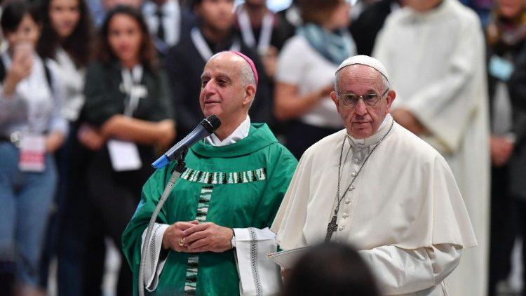 Mgr Rino Fisichella et le Pape François, le 25 octobre 2018