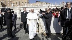 pope-francis--general-audience-1542194296955.jpg