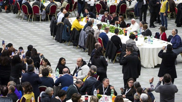 Pope Francis has lunch with needy people