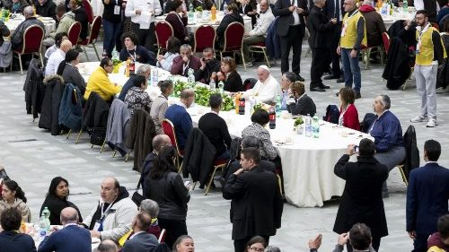 Pope Francis has lunch with needy people - World Day of the Poor - 18th November 2018