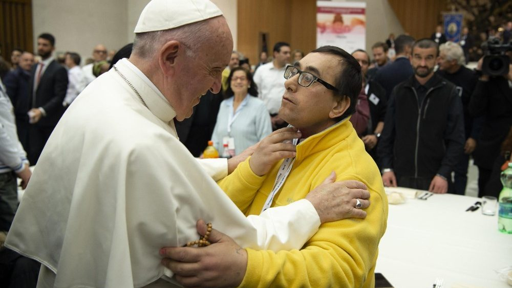 pope-francis-has-lunch-with-needy-people--1542550099230.jpg