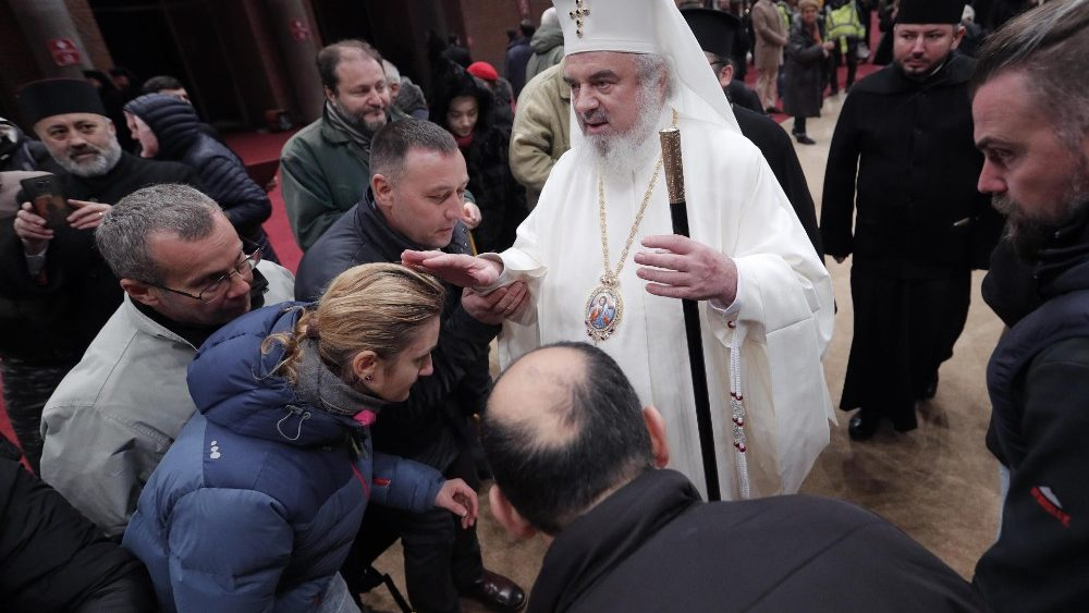 romanian-orthodox-patriarch-daniel-officiates-1543087623967.jpg