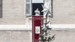 pope-francis--angelus-prayer-1543751636777.jpg