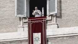 pope-francis--angelus-prayer-1543751637528.jpg