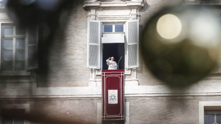 Pope Francis' Angelus Prayer-december 2 Sunday