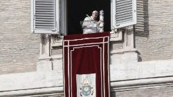 pope-francis--angelus-prayer-1543751644181.jpg