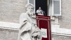 pope-francis--angelus-prayer-1543751939255.jpg