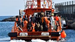 68 migrants rescued in Almeria