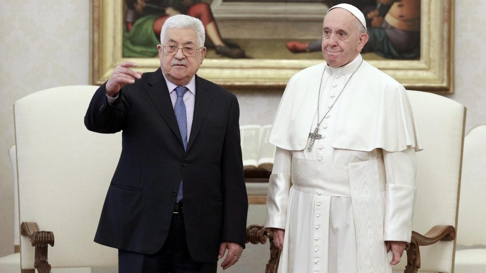 pope-francis-receives-president-of-the-palest-1543838330470.jpg