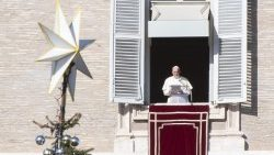 pope-francis--angelus-prayer-1544272428233.jpg