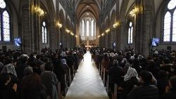 christmas-mass-in-seoul-1545722627583.jpg