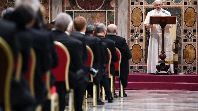 pope-holds-audience-with-the-members-of-the-d-1546865627240.jpg