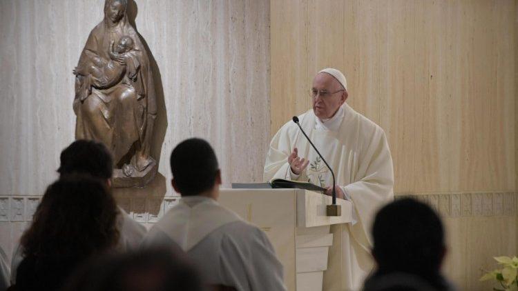 ĐTC dâng lễ tại nhà nguyện thánh Marta