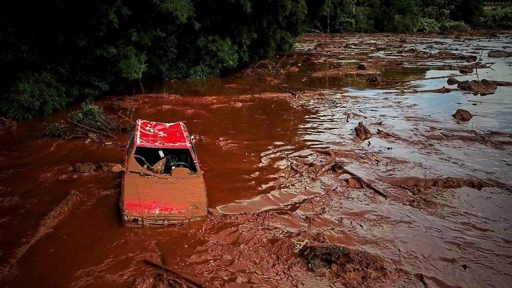 dam-rupture-in-brazil-leaves-at-least-7-dead--1548464327560.jpg