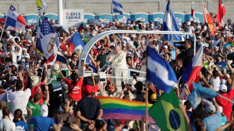 700 mil fiéis acompanharam a celebração no Campo São João Paulo II