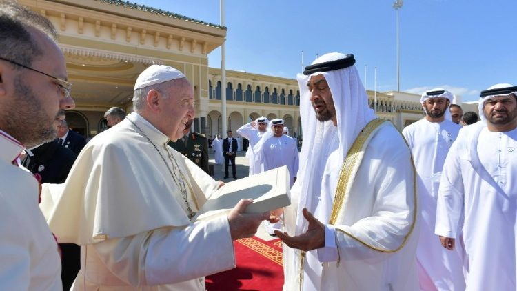 Pope Francis with the Crown Prince Mohammed Bin Zayed al Nahyan at the farewell function