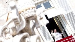 pope-francis--angelus-prayer-1549800284548.jpg