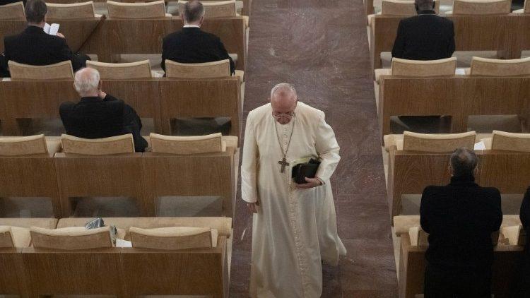 Papa Francisco durante Exercícios espirituais em Ariccia