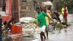 tropical-cyclone-idai-hits-mozambique-1552988033576.jpg