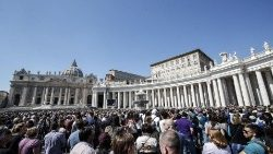 pope-francis-during-the-angelus--prayer-1553428727658.jpg