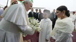 Children welcome Pope Francis to Morocco