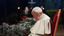 pope-francis-presides-the-via-crucis--way-of--1555706028738.jpg