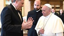 pope-francis-meets-with-chairman-of-the-presi-1556277002239.jpg