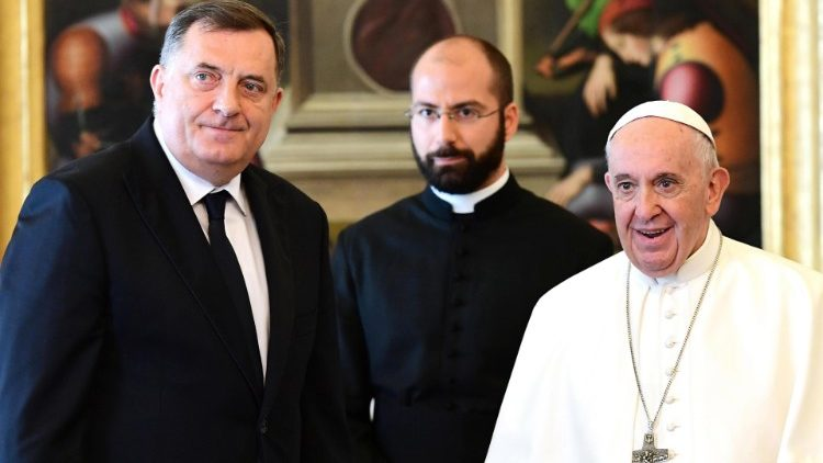 pope-francis-meets-with-chairman-of-the-presi-1556277002912.jpg