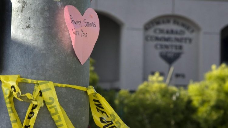 Four people shot, one fatally, at Chabad of Poway synagogue in Poway, California