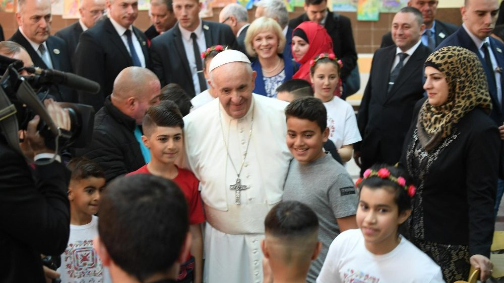 pope-francis-s-trip-in-bulgaria-and-northern--1557125709861.jpg