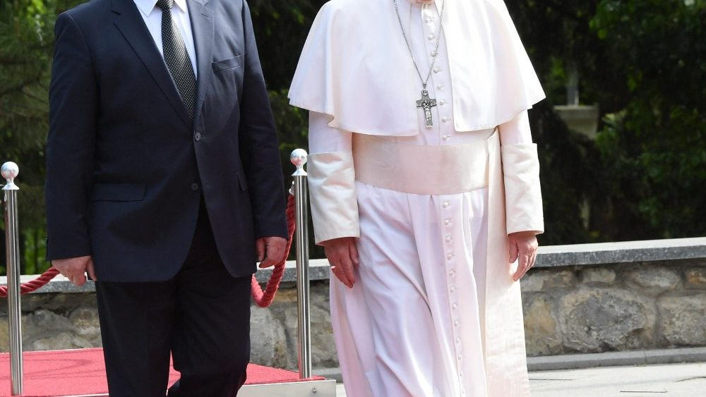 pope-francis-s-trip-in-bulgaria-and-northern--1557215629082.jpg
