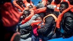 Migranti soccorsi dalla Sea Watch