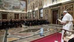 pope-francis-meets-journalists-1558185227216.jpg