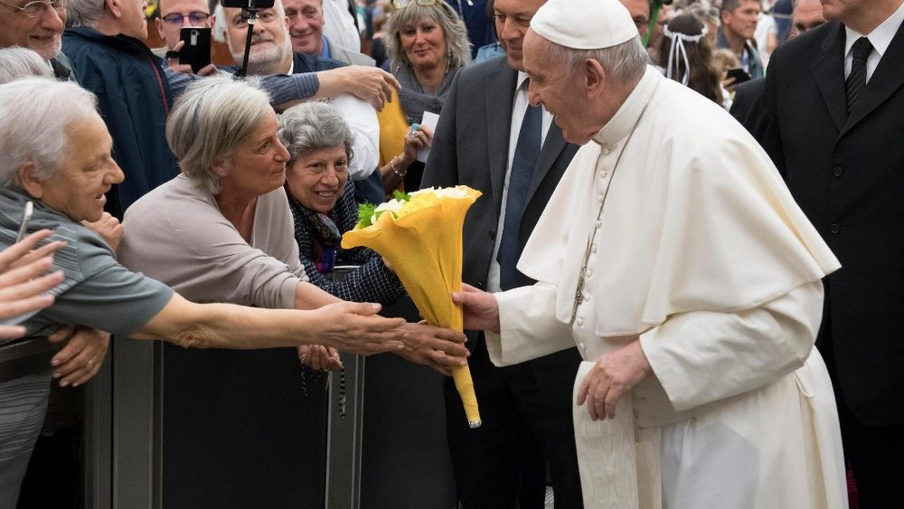 pope-francis-meets-italo-albanians-of-eparchy-1558790930440.jpg