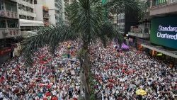 Protesta multitudinaria en Hong Kong
