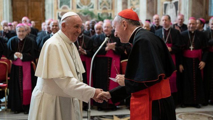 ĐTC Phanxicô gặp các nhà ngoại giao Tòa Thánh