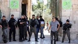 Tension at Al Aqsa Mosque compound in Jerusalem