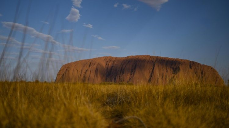 Uluru climbing ban to be enforced in Australia