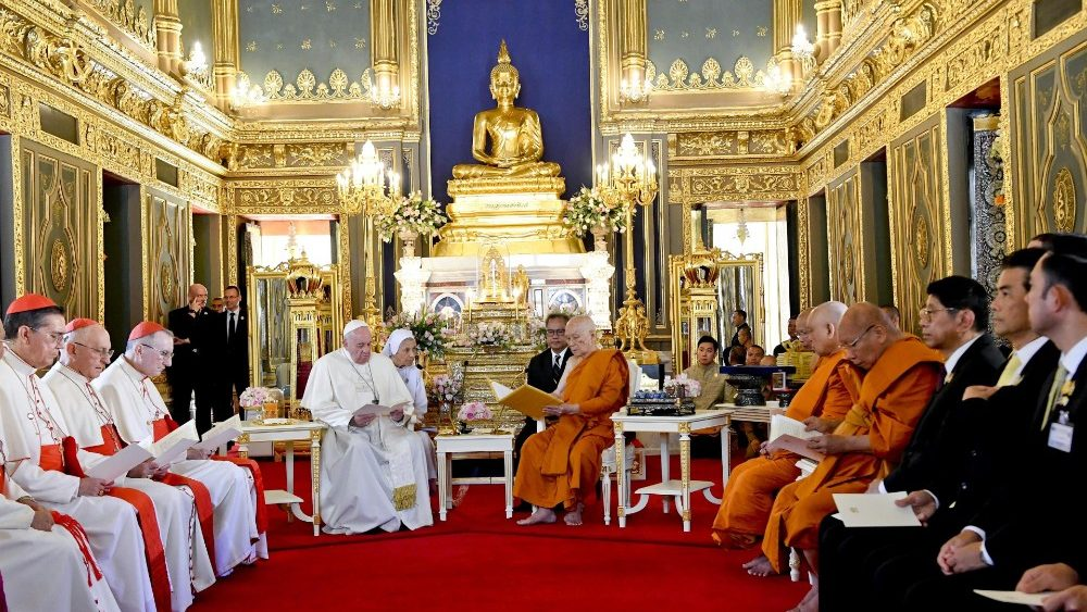 Papa incontra il Patriarca supremo buddista