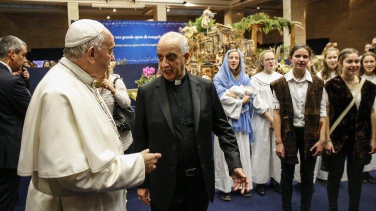 Mgr Fisichella avec le Pape François le 9 décembre 2019